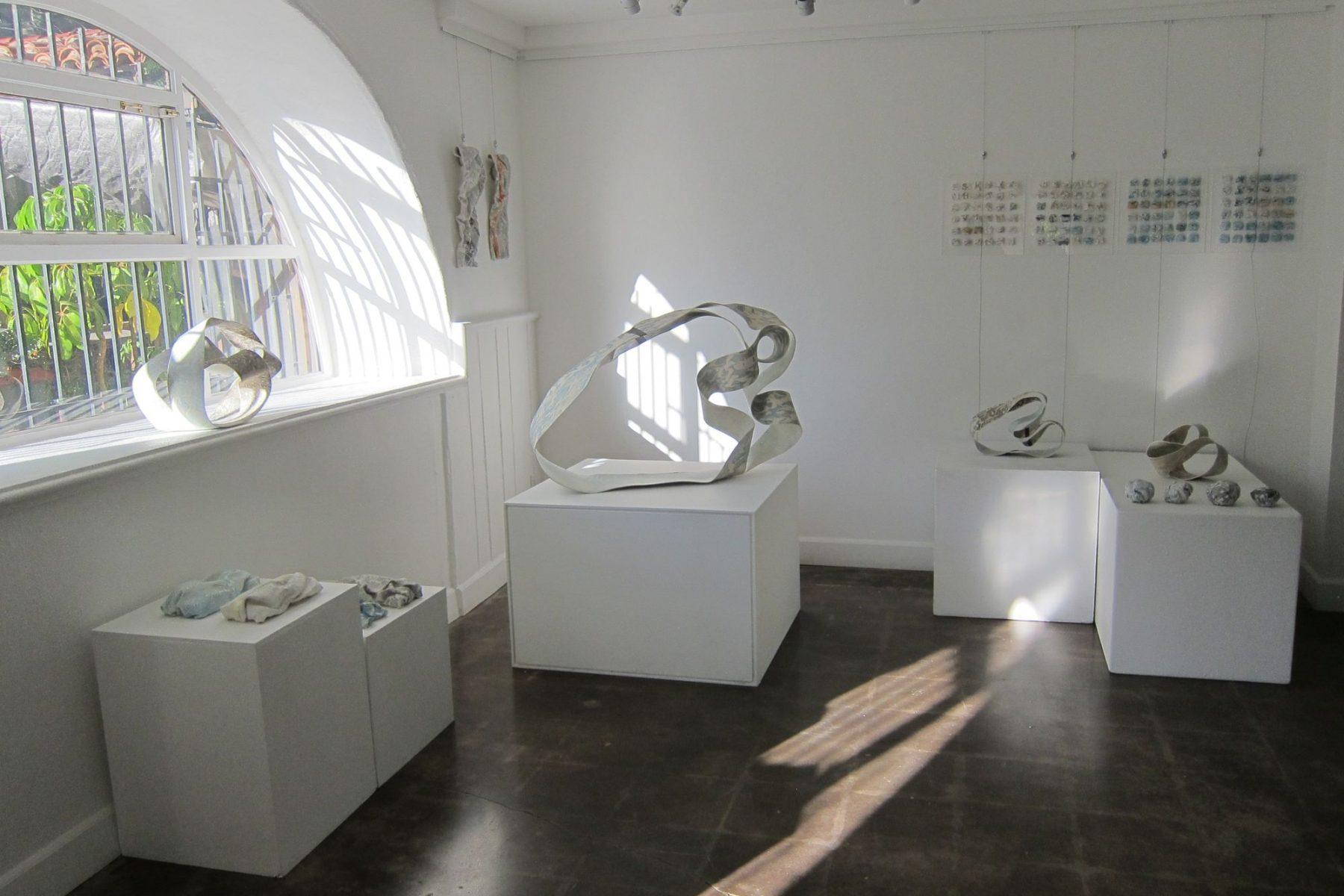 http://schlagenhauf-ceramique.com/wp-content/uploads/2017/08/Daniela-Serie-exposition-San-Diego-1800x1200.jpg