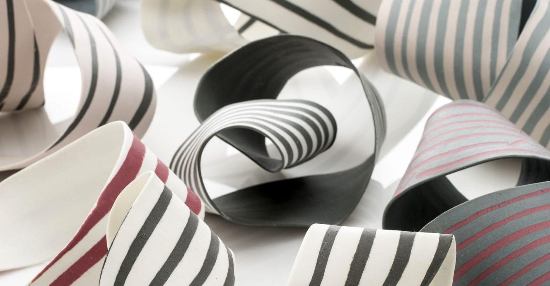 http://schlagenhauf-ceramique.com/wp-content/uploads/2018/02/Daniela-Serie-_-pieces-uniques-2018-I2B9781-1333x2000-e1519759965815-1920x1000.jpg